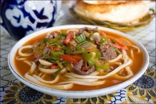 Лагман - узбекский густой суп - простое в приготовление аппетитное блюдо.