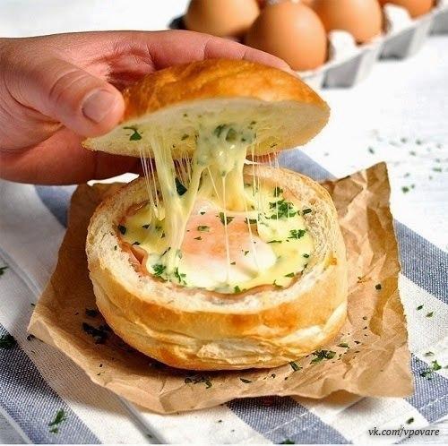 Булочки из слоеного теста с ветчиной и сыром. Горячие булочки с яйцом, сыром и ветчиной.