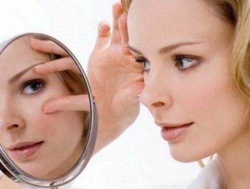 Маска для кожи вокруг глаз в домашних условиях после 30 лет. Маски вокруг глаз после 30 лет: свежесть взгляда и никаких морщинок!