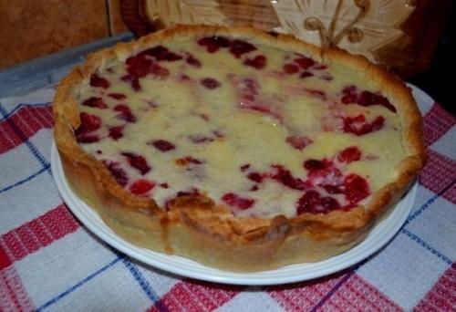 Цветаевский пирог на с персиками. Цветаевский пирог с малиновой начинкой.