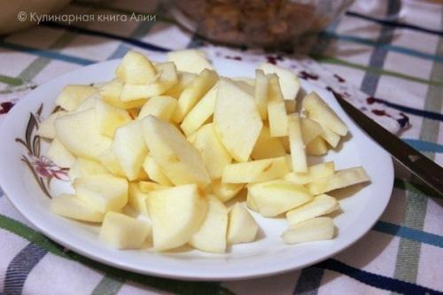 """Пирог из яблочный. Обалденный яблочный пирог """"Домашний""""."""