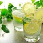 6 причин выпить воду с лимоном натощак утром?