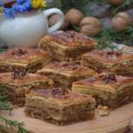 Пахлава.  Вариантов приготовления этой восточной сладости громадное количество.