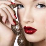 8 секретов стойкого макияжа губ.