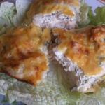 Рыба, запеченная со сметаной и сыром.
