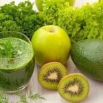 Десять зеленых смузи для очищения организма.