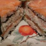 Суши - торт.  Смотрится очень празднично и необычно!