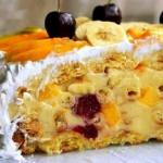 Торт тропиканкав.   Это торт из коржей из заварного теста и перемазанных заварным кремом с фруктами, сверху фрукты залитые желе.