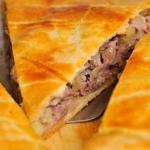Нежный пирог с мясом.